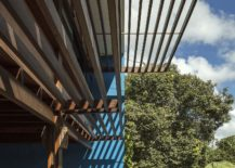 Natural-wood-structure-creates-an-open-and-refreshing-setting-217x155