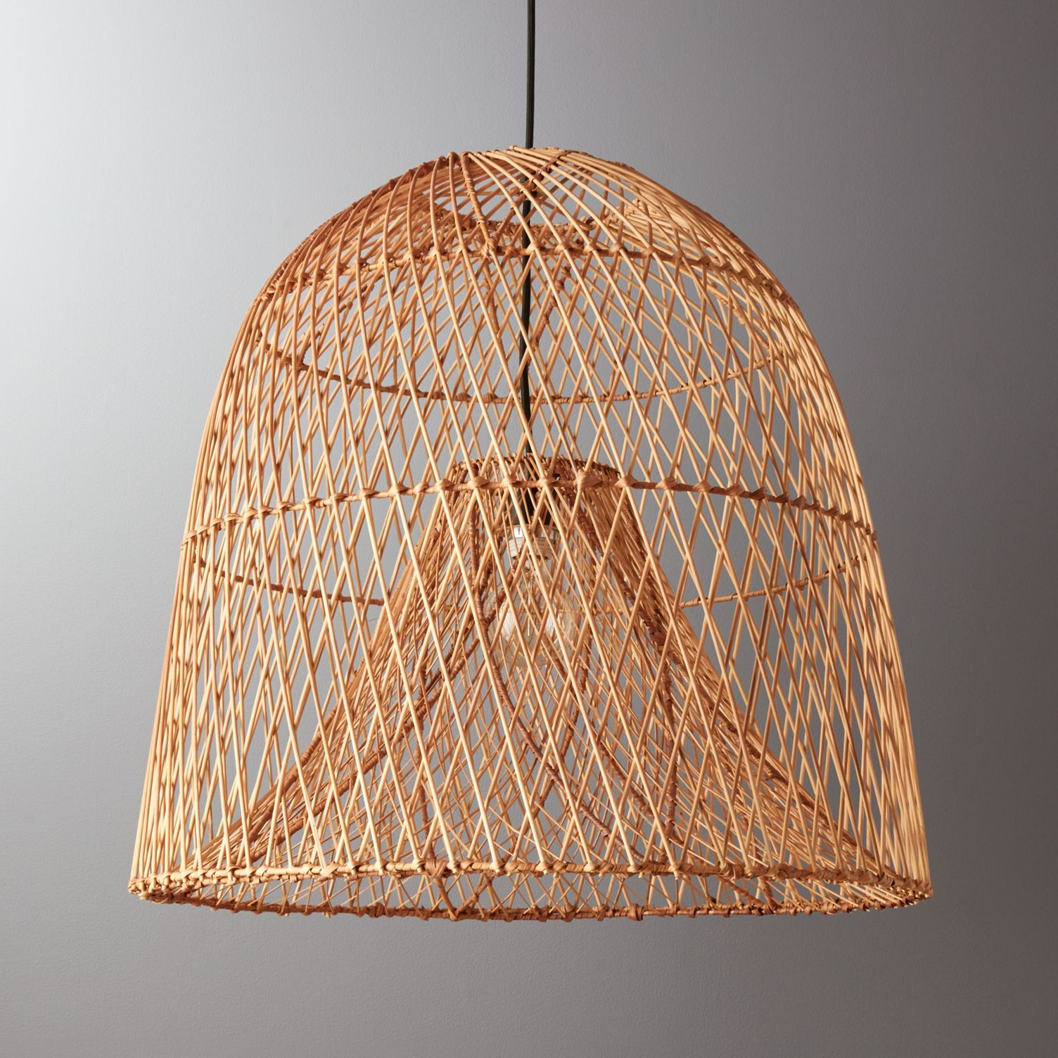 Natural-woven-pendant-light