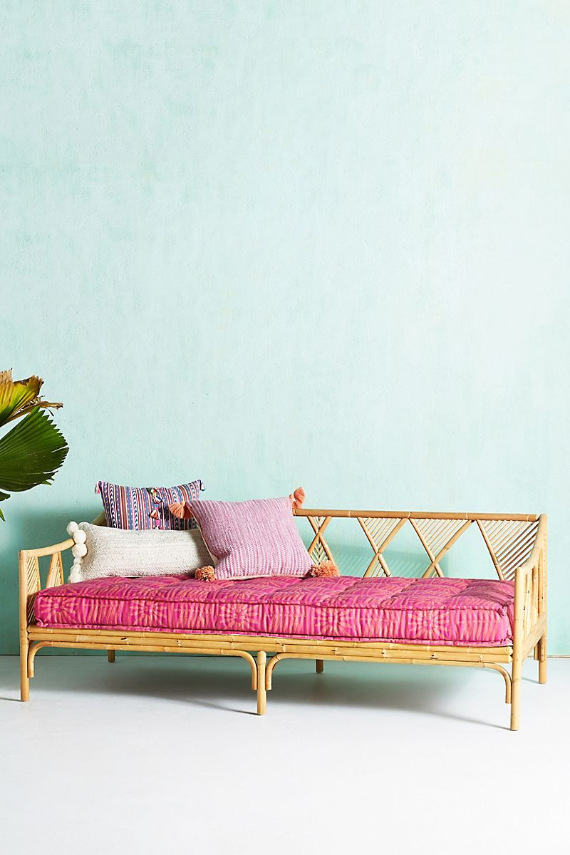 Rattan daybed wih diagonal lines