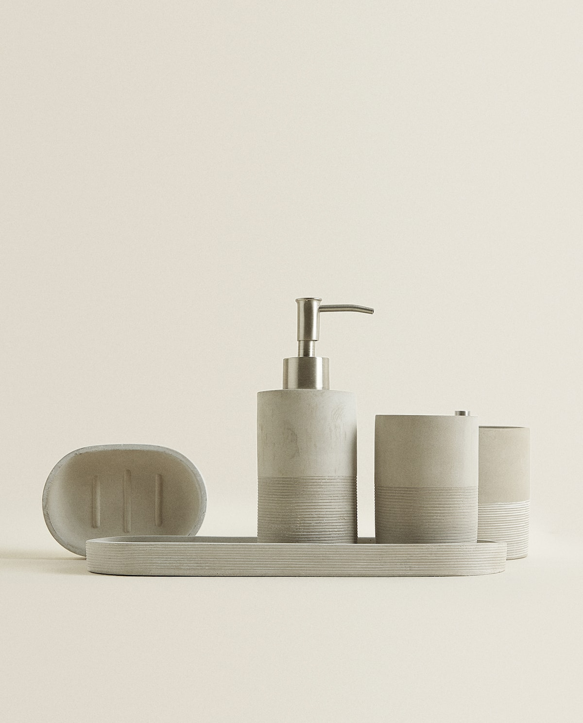 Ribbed cement bathroom accessories