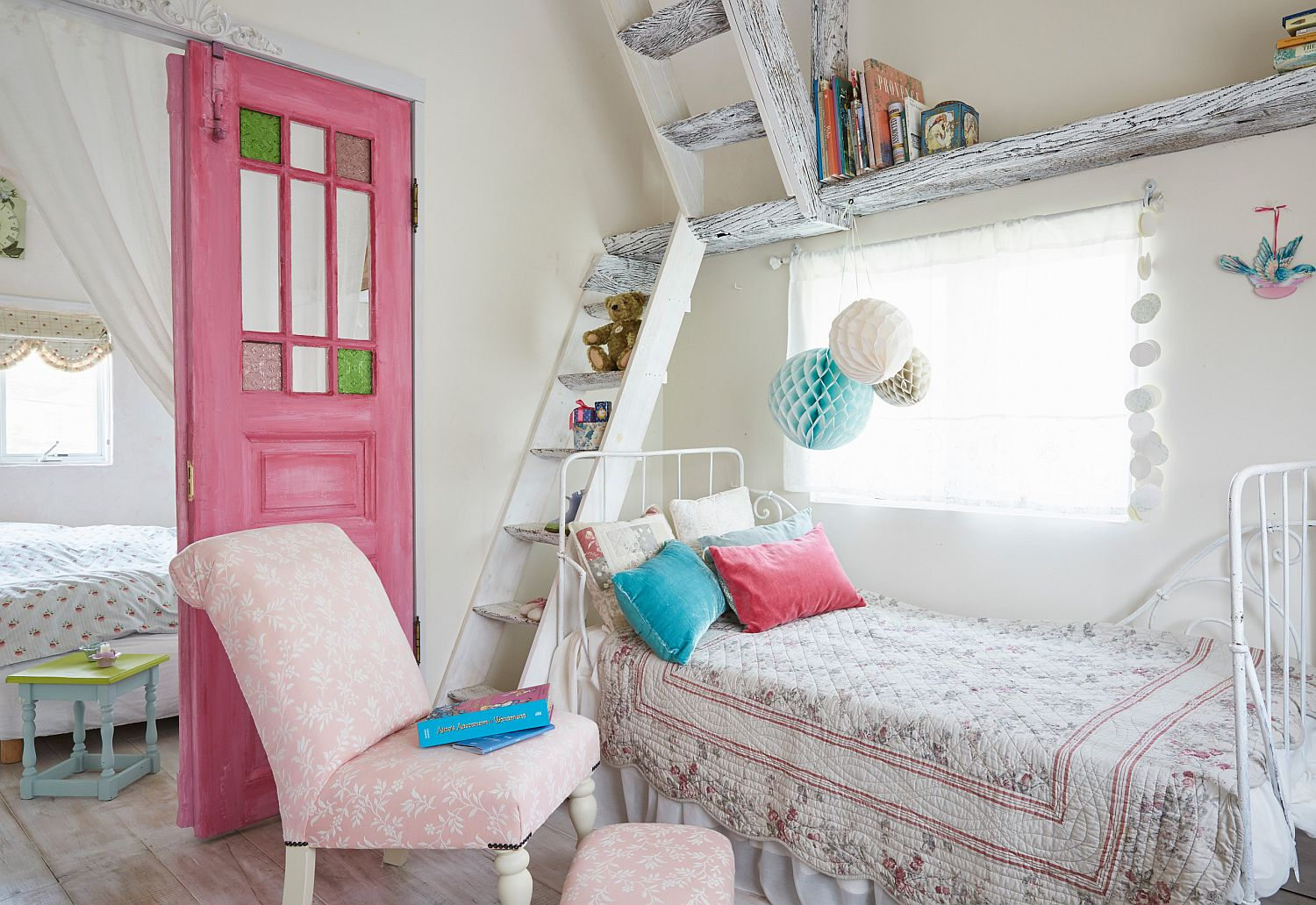 Small and stylish white bedroom with shabby chic style feels relaxing