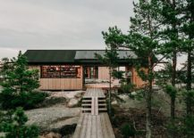 Traditional-Scandinavian-design-coupled-with-modern-functionality-to-create-cool-Finnish-Island-cabins-217x155