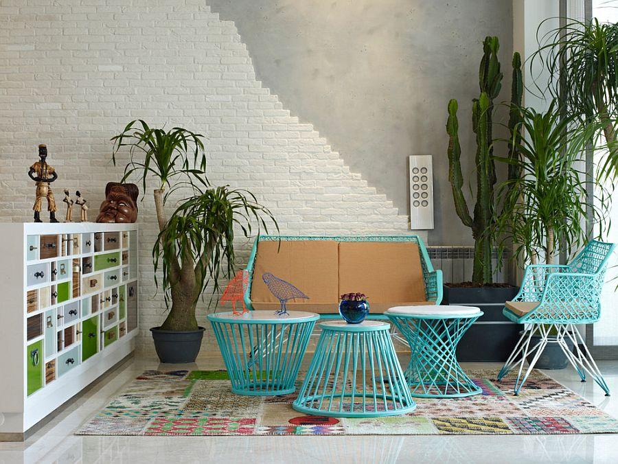 Try-out-faux-brick-wall-covering-in-the-eclectic-living-room-if-you-miss-the-original-brick-wall