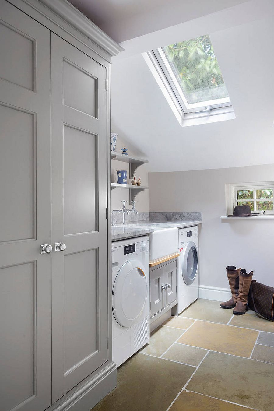 laundry room with skylight