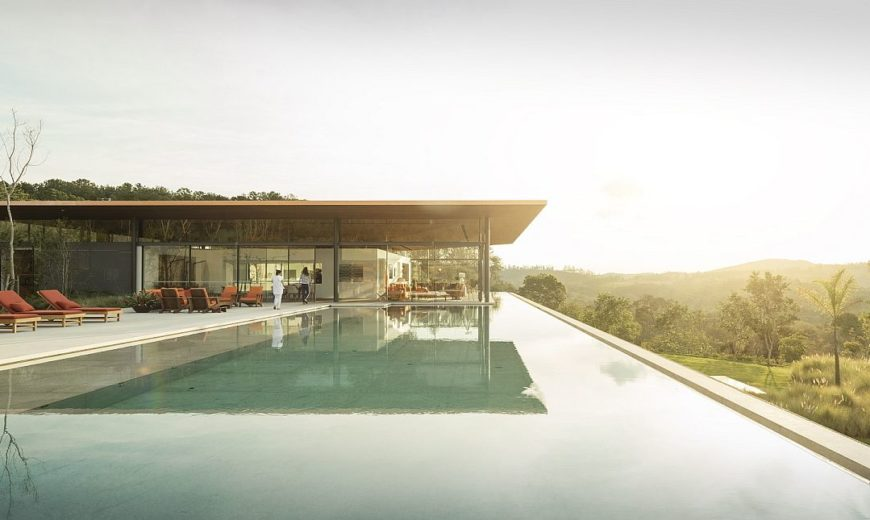 Bela Vista House: Luxurious Brazilian Home Overlooks Sunning Landscape
