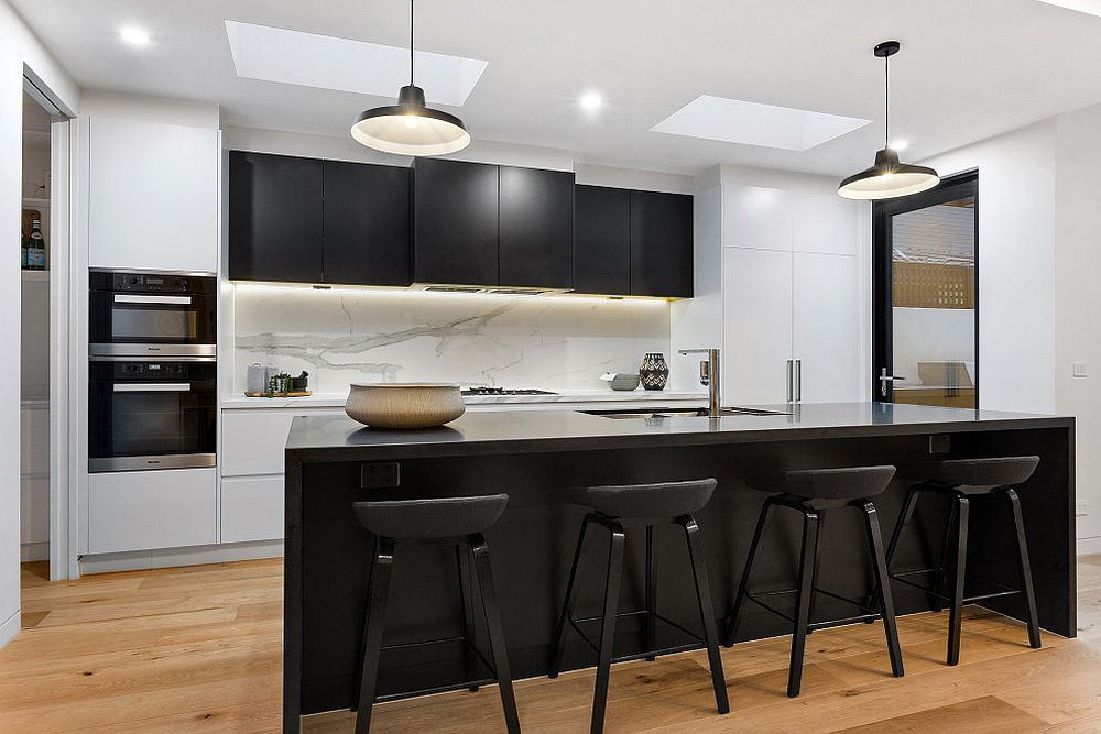 Bar-stools-add-o-the-black-in-the-dining-room