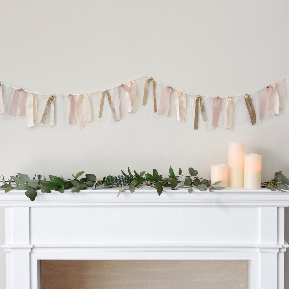 Blush-wedding-garland
