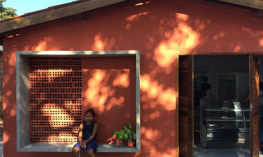 Small House in Brazil Transformed into Headquarters of Coconut Producers Co-Op