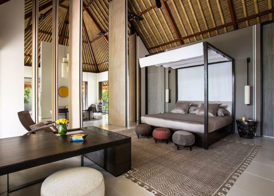 Cheval-Blanc-Randheli-Hotel-Bedroom-canopy-1