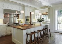 Dashing-white-and-wood-Californian-style-kitchen-with-ample-natural-ventilation-217x155