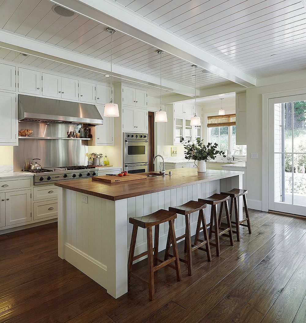 Dashing white and wood Californian style kitchen with ample natural ventilation