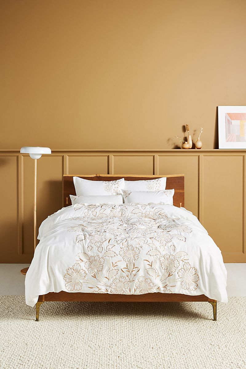 Earthy bedroom style from Anthropologie