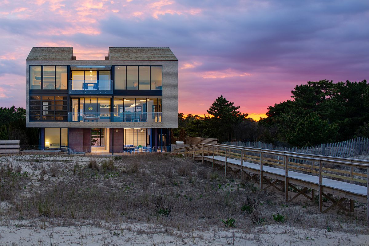 Sandwiched Between Lake and Atlantic Ocean: Fabulous Beach House in Delaware