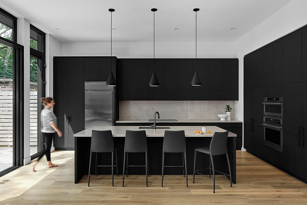 Giving-your-kitchen-a-gorgeous-makeove-in-black-with-the-right-cabinets-and-pendant-lights