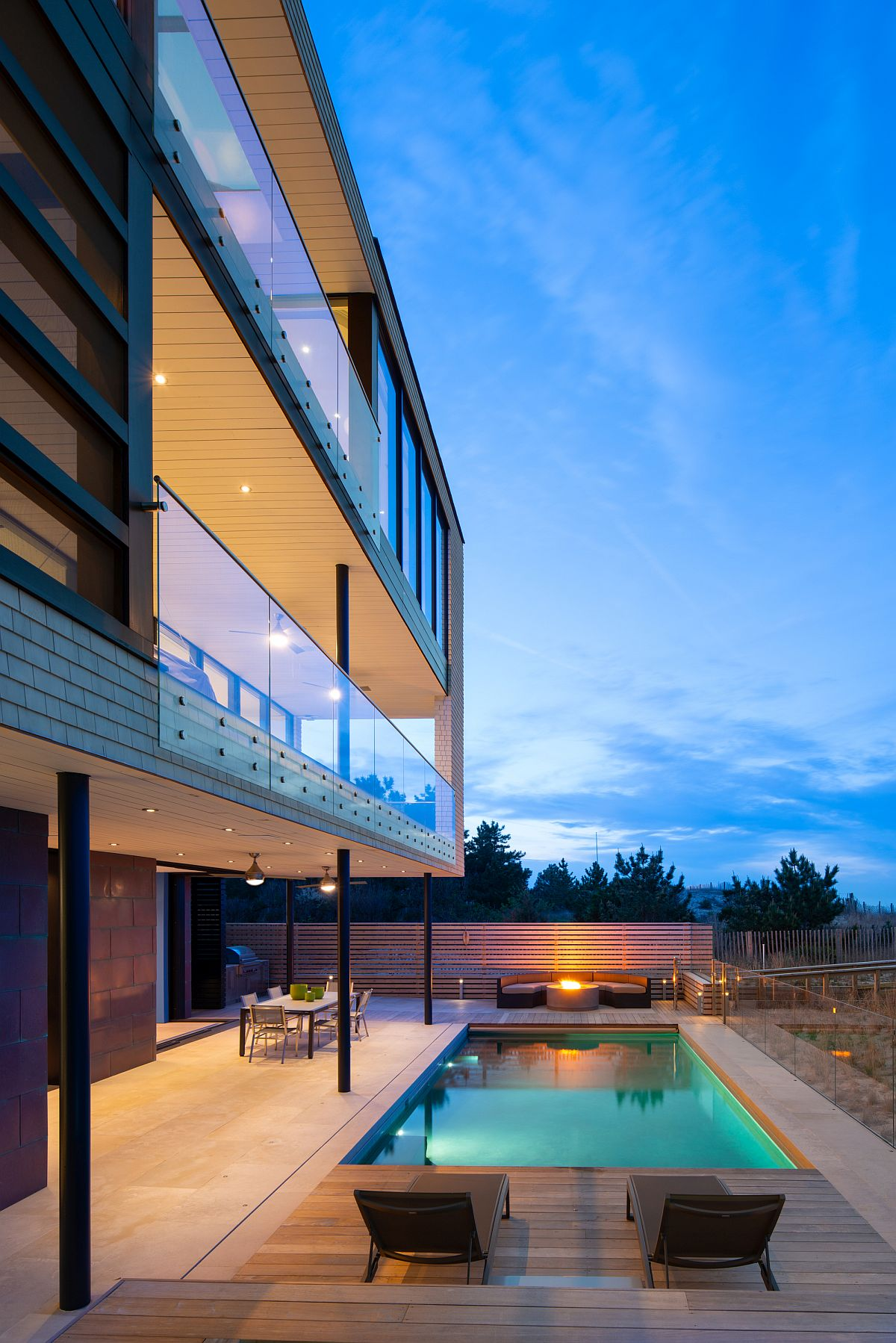 Gorgeous multi-level vacation home with fabulous deck and pool area