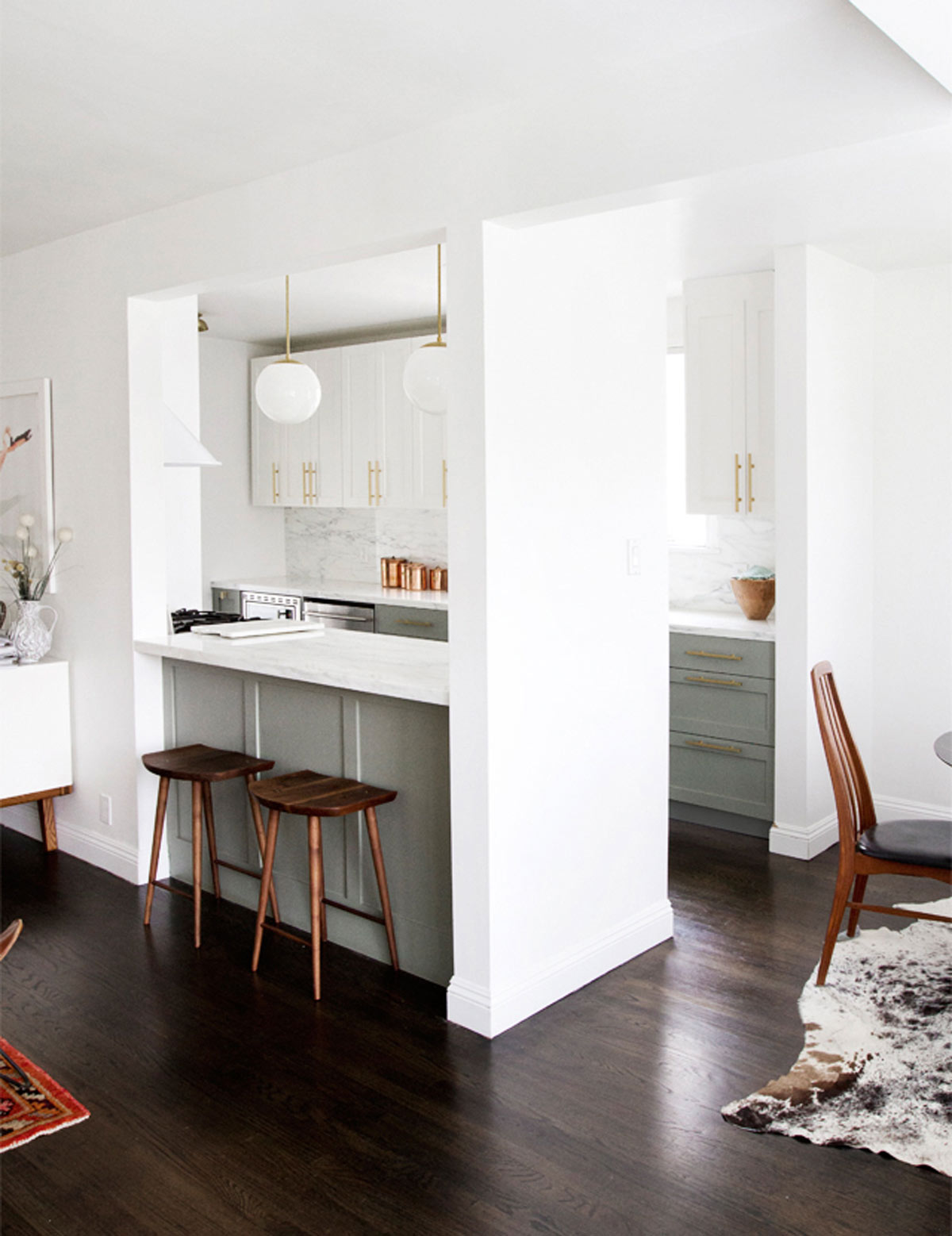 Kitchen-With-Bar
