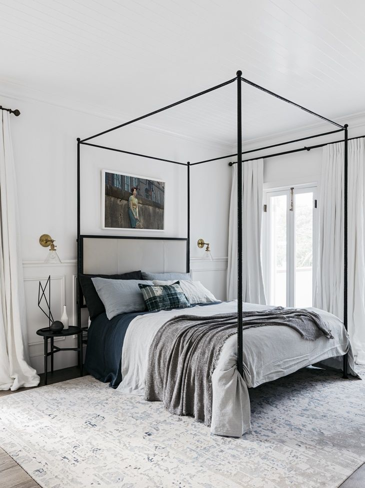 Monder-monochromatic-bedroom-decor-with-canopy-bed