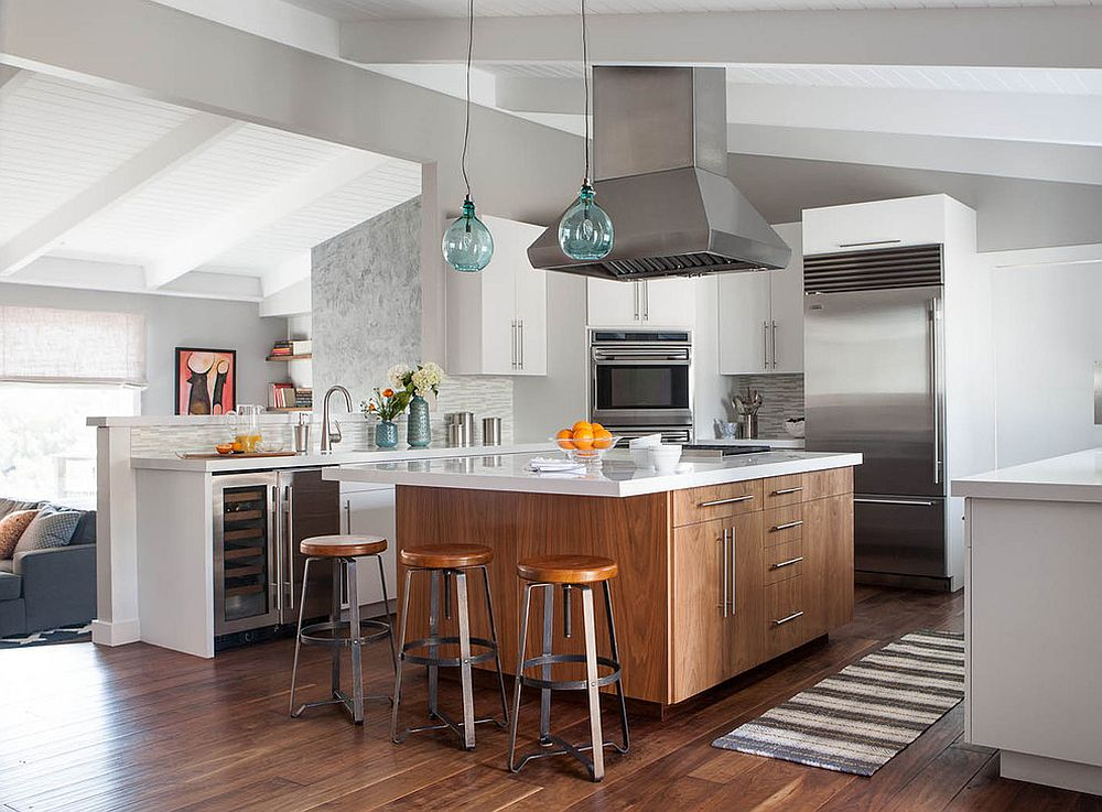 Sophisticated-and-stylish-kitchen-of-the-mid-century-modern-home