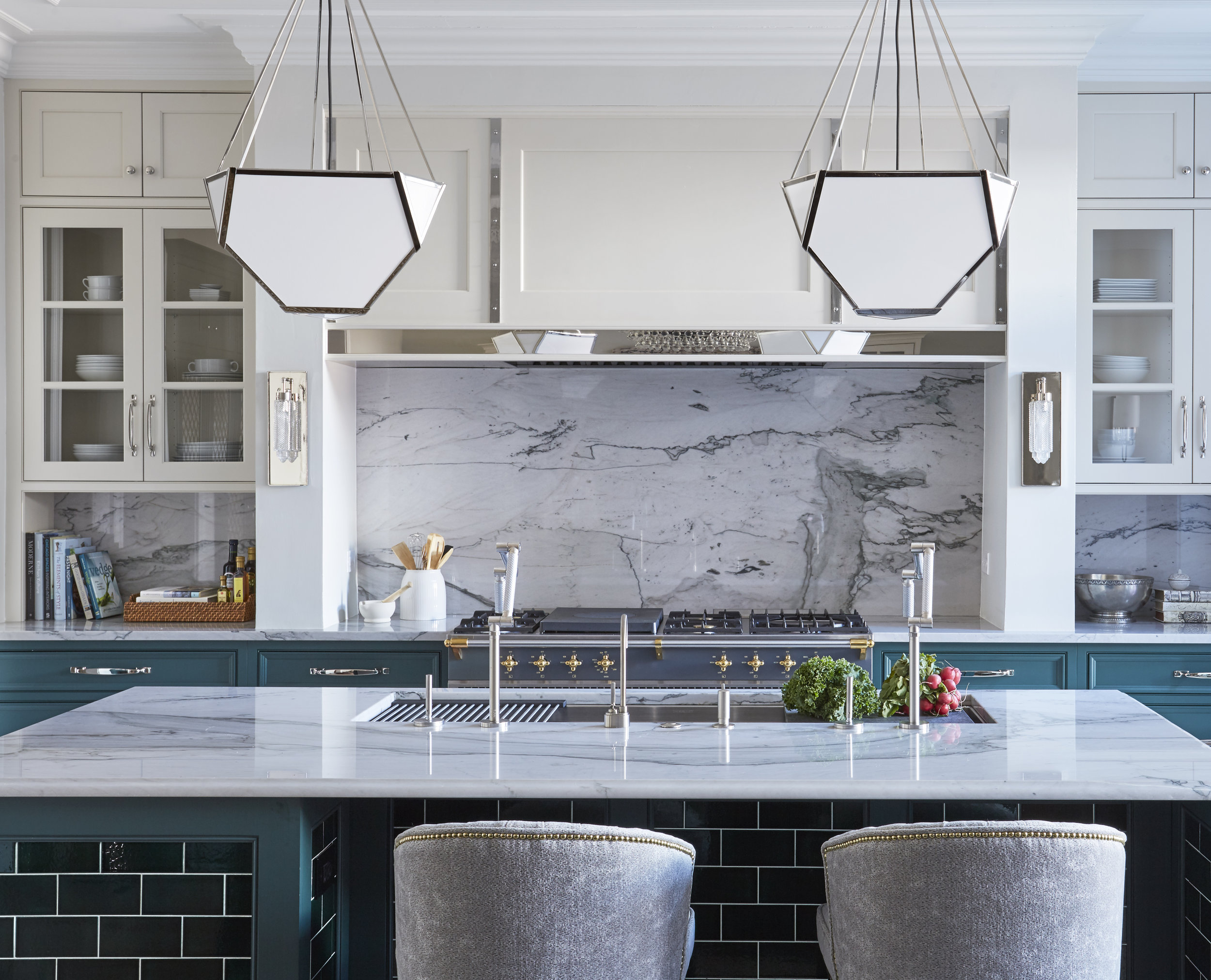 Gorgeous Design Ideas To Incorporate Into Your Galley Kitchen