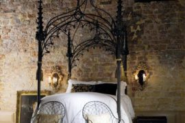 Beautiful Canopy Bed Designs To Turn Your Bedroom Into A Fantasy Wonderland