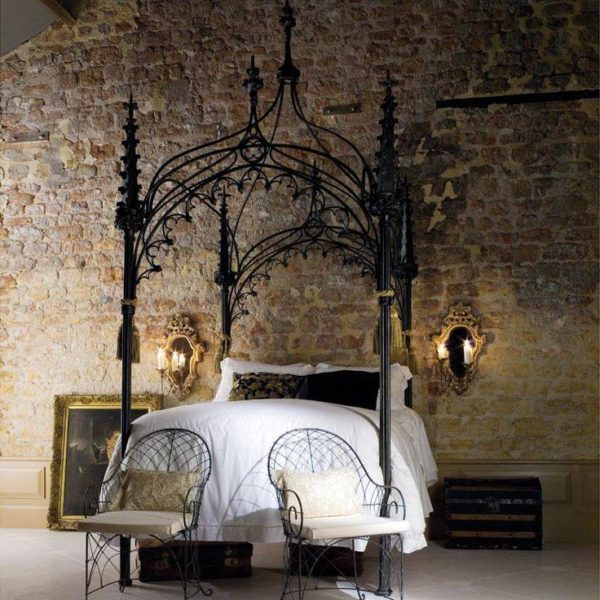canopy-beds-1-600x600