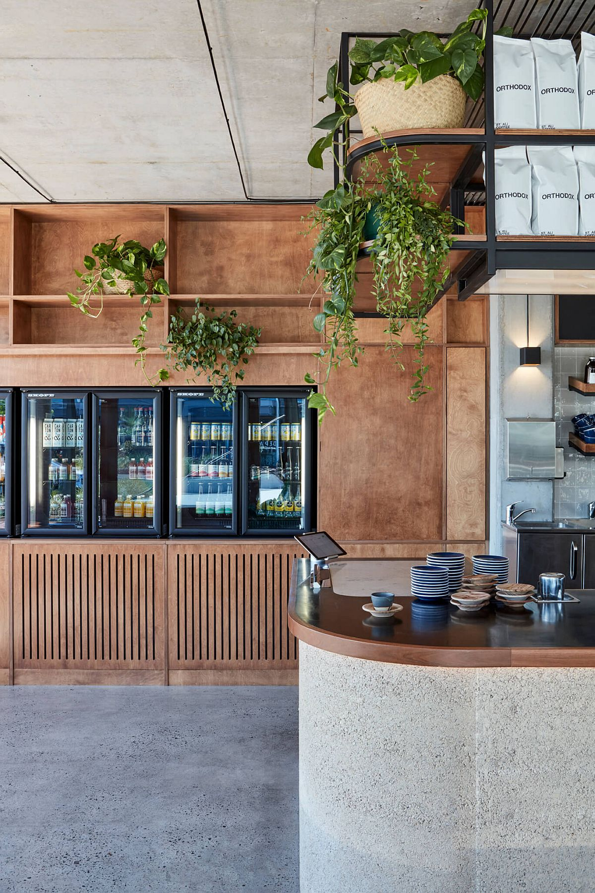 25-meter-long-bar-for-the-new-restaurant-feels-both-organic-and-low-key-46972