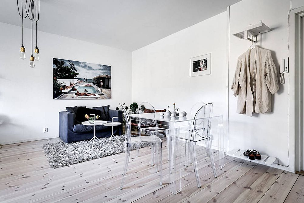 Acrylic-chair-and-table-give-the-small-dining-area-an-even-lighter-visual-appeal-91459