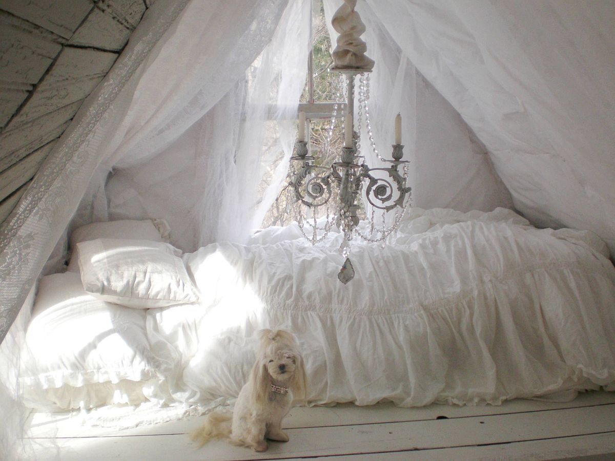 An enchanting and relaxing attic escape can take you away from all the constant urban rush
