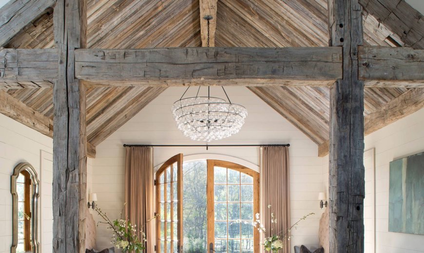 Wood and White Entry Rooms: Trendy Color Palette to Invite Guests Indoors