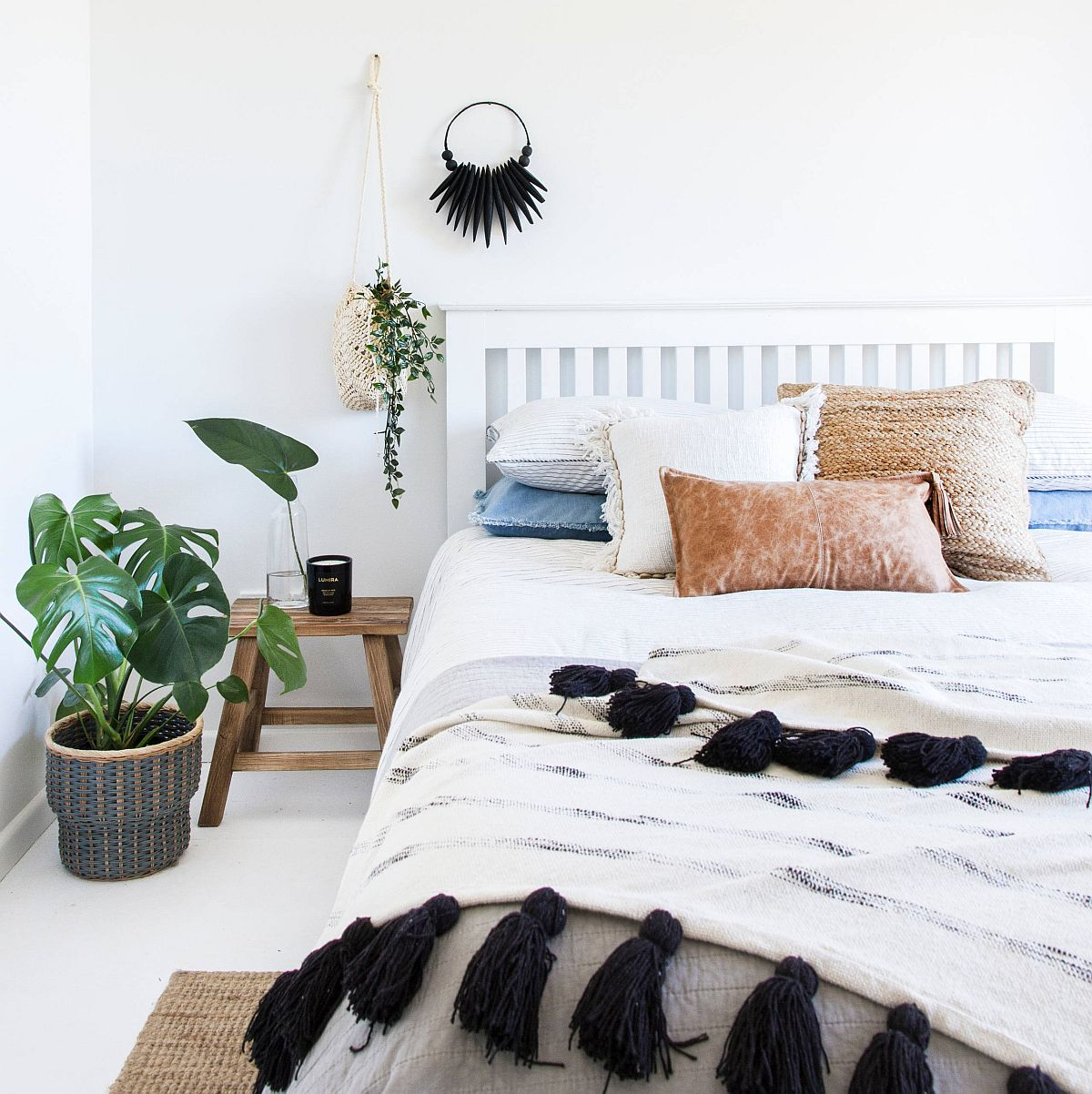 Bedroom in white is a place where you can switch between styles with ease