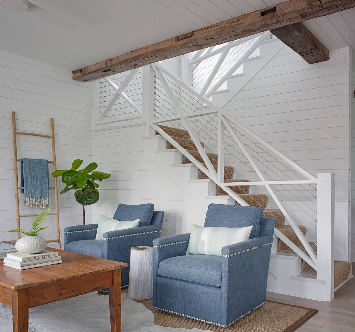 Blue-chairs-add-color-to-the-tiny-white-living-room-97368