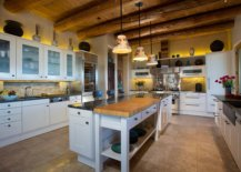 Ceiling-beams-give-the-kitchen-a-distinct-identity-of-its-own-54548-217x155