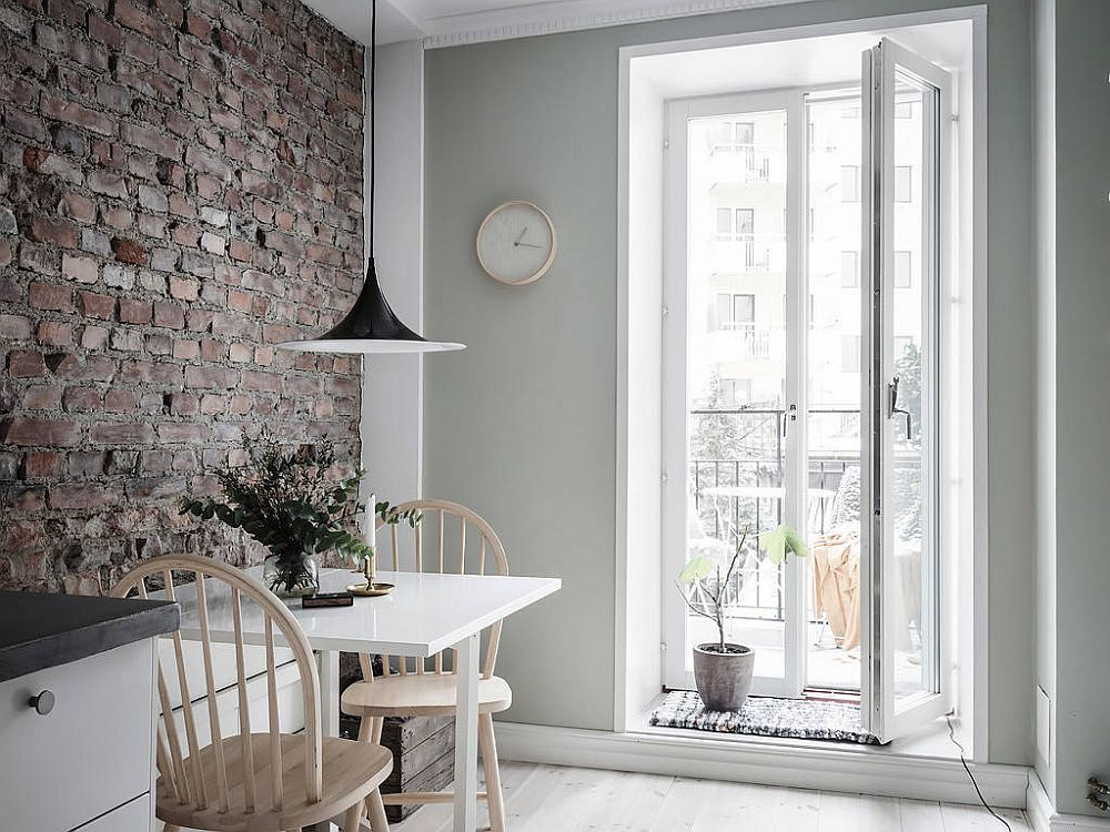 Even-the-small-corner-can-host-the-tiny-dining-spce-when-planned-right-11017