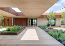 Extended-secions-of-the-house-and-its-dogtrot-gabled-form-provides-shaded-walkways-around-the-house-41426-217x155