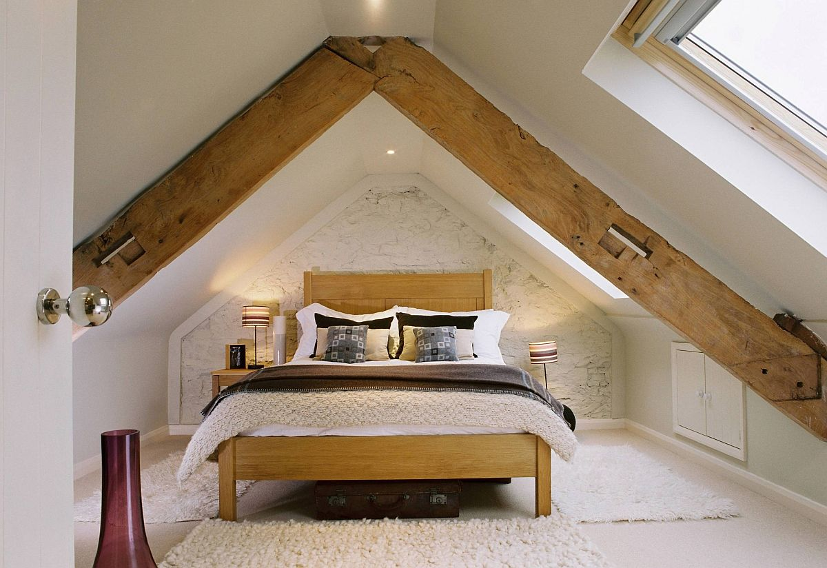 Farmhouse influences coupled with beach style in the small attic bedroom
