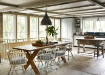 Farmhouse-style-eat-in-kitchen-with-low-ceiling-and-gorgeous-lighting-79804-217x155