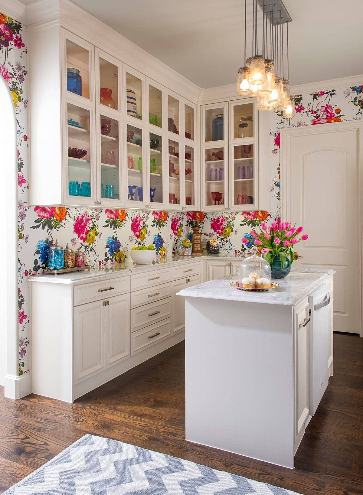 Flower-filled kitchen is not a look for everyone!
