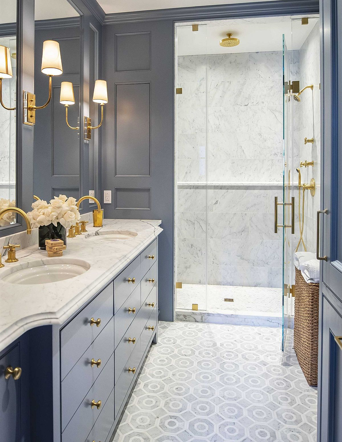 Embracing Color Of The Year 20 Lovely Bathroom Vanities In Blue