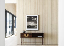 Larch-wood-brings-a-rustic-visual-element-to-the-spacious-modern-interior-55767-217x155