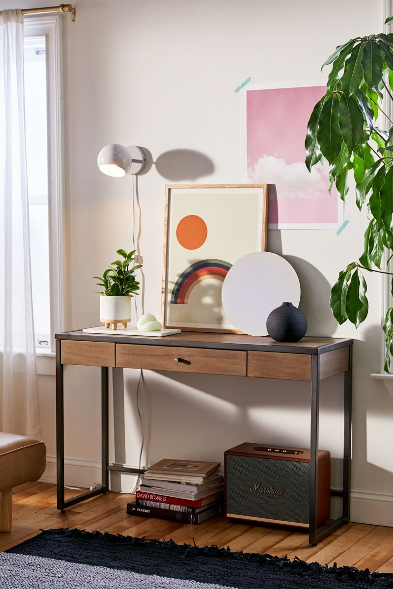 Layers-of-entryway-table-styling-41179