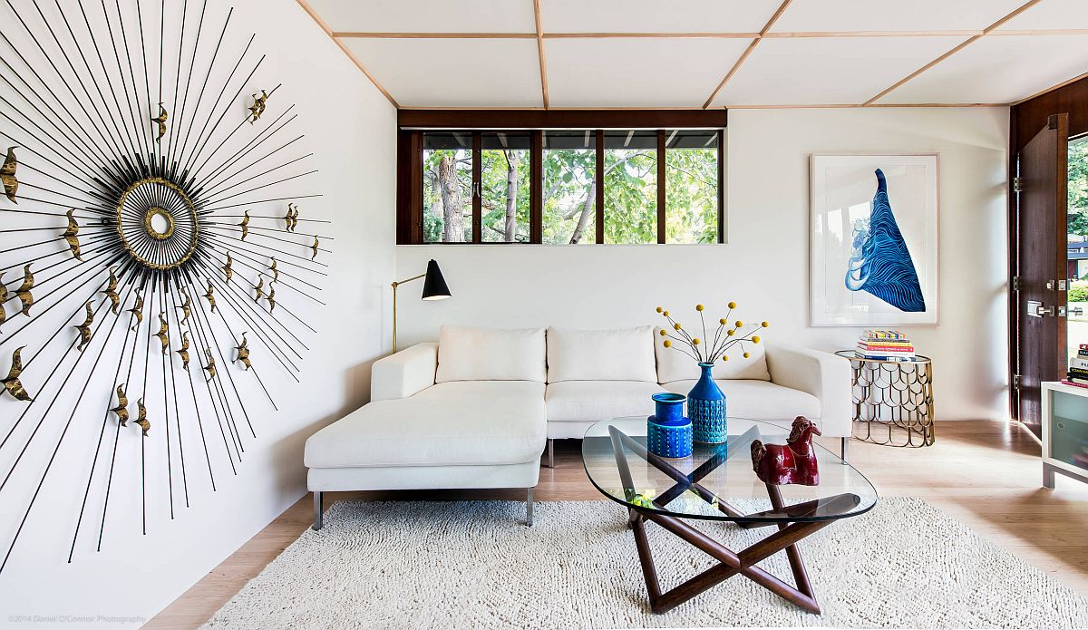 Low-ceiling-gives-the-white-living-room-a-more-dramatic-visual-appeal-79259