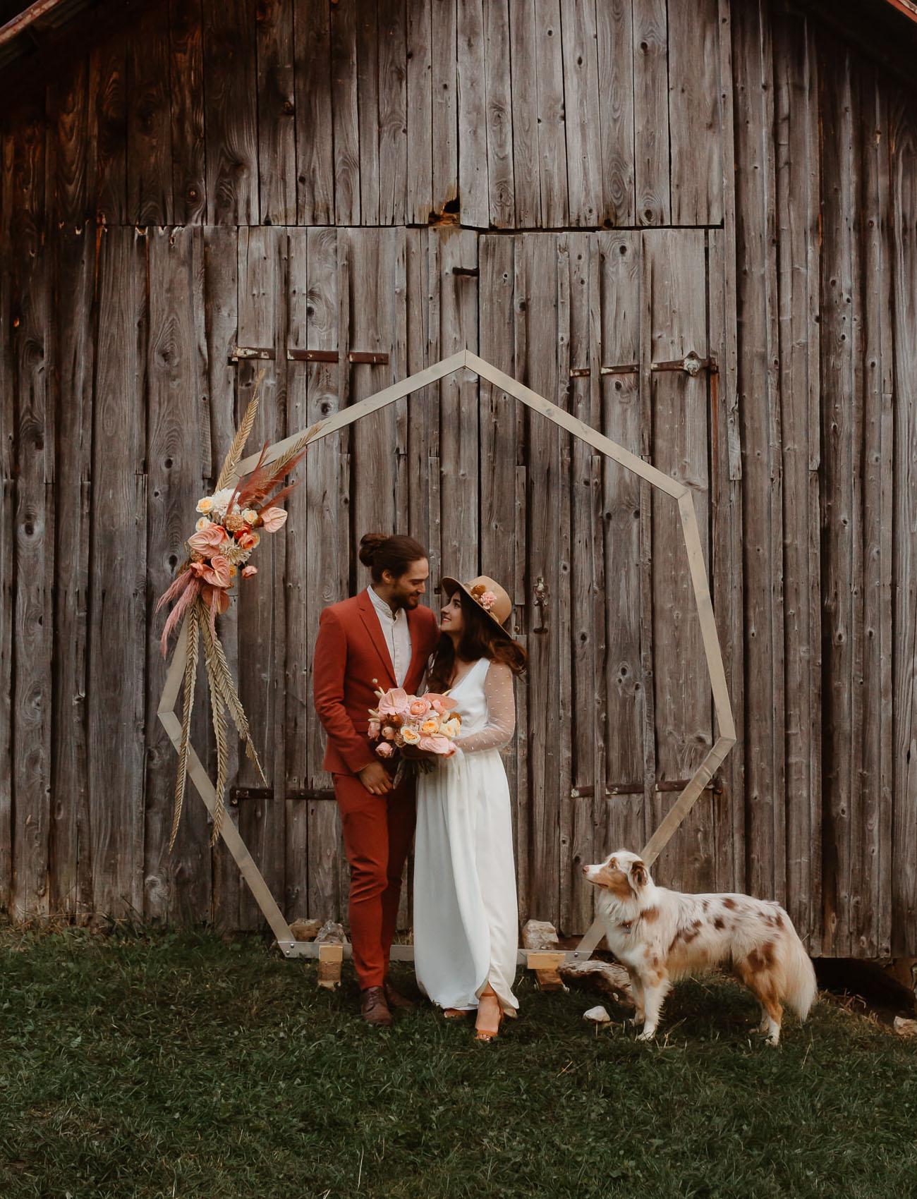 Modern-hexagonal-wedding-arch-69680