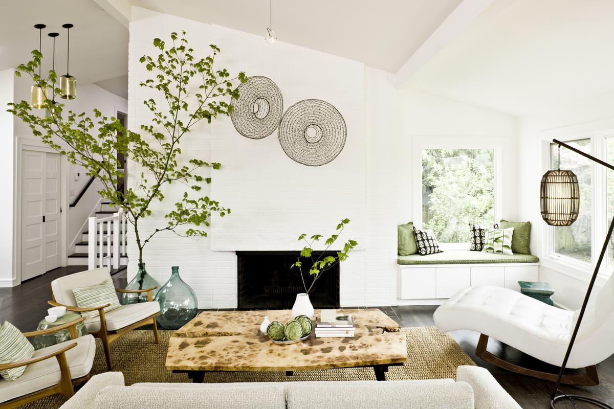 Nothing-brings-the-small-white-living-room-alive-like-a-splash-of-natural-greenery-84945