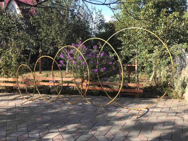 Round-wedding-arches-from-Wood-Craft-10244