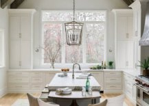 Rustic-kitchen-with-vaulted-ceiling-and-smart-wooden-beams-50090-217x155