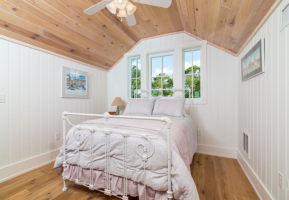 Simple and space-savvy attic bedroom design idea with modern beach style