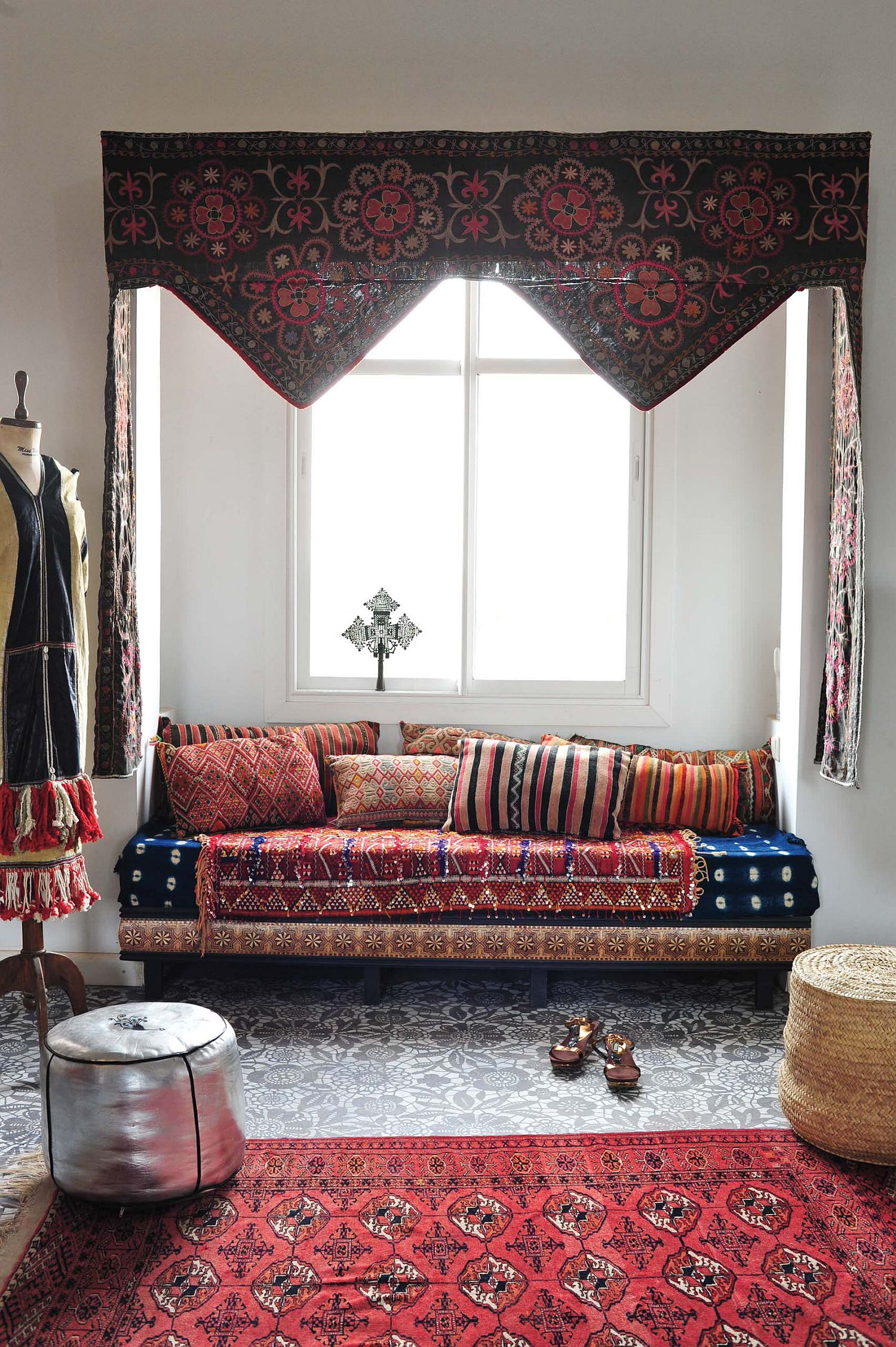 Small living room with Mediterranean design and smart bohemian style that feels relaxing