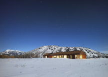 Snow-covered-landscape-around-the-gorgeous-and-modern-Dogtrot-House-in-Jackson-29731-217x155