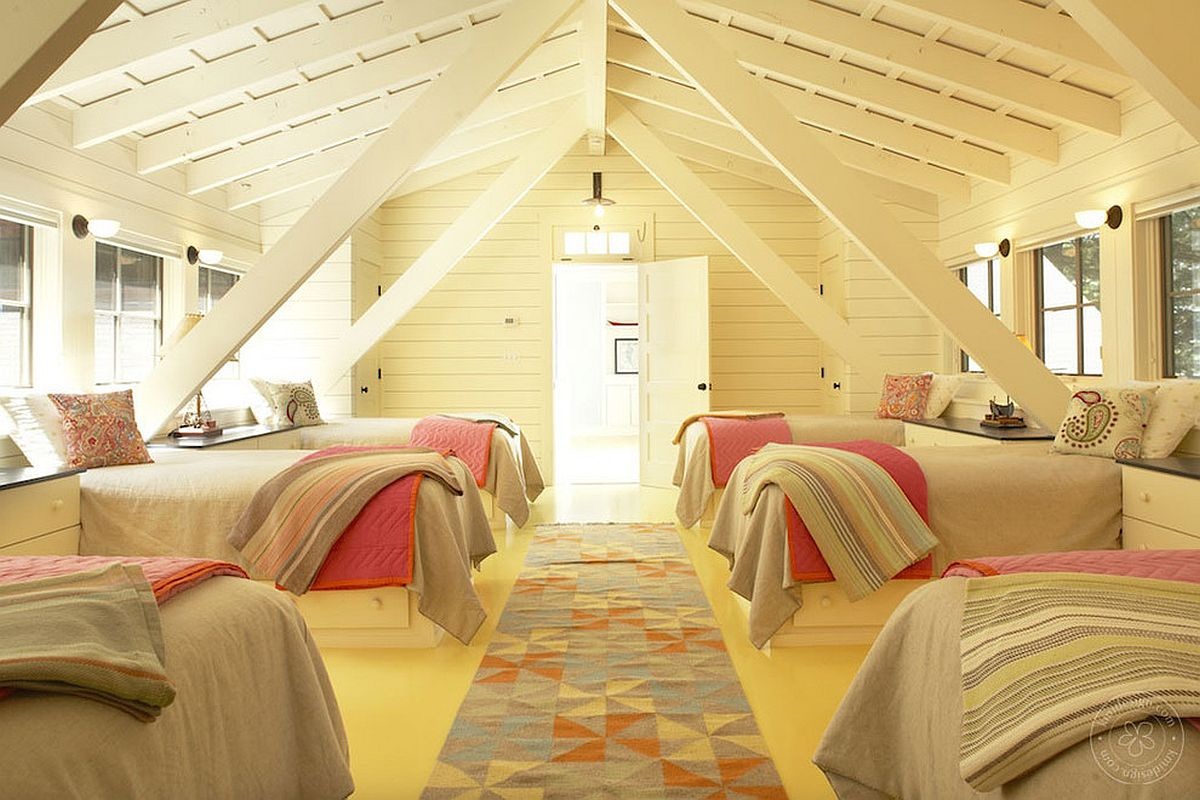Spacious attic berdoom is a gift for a large family!