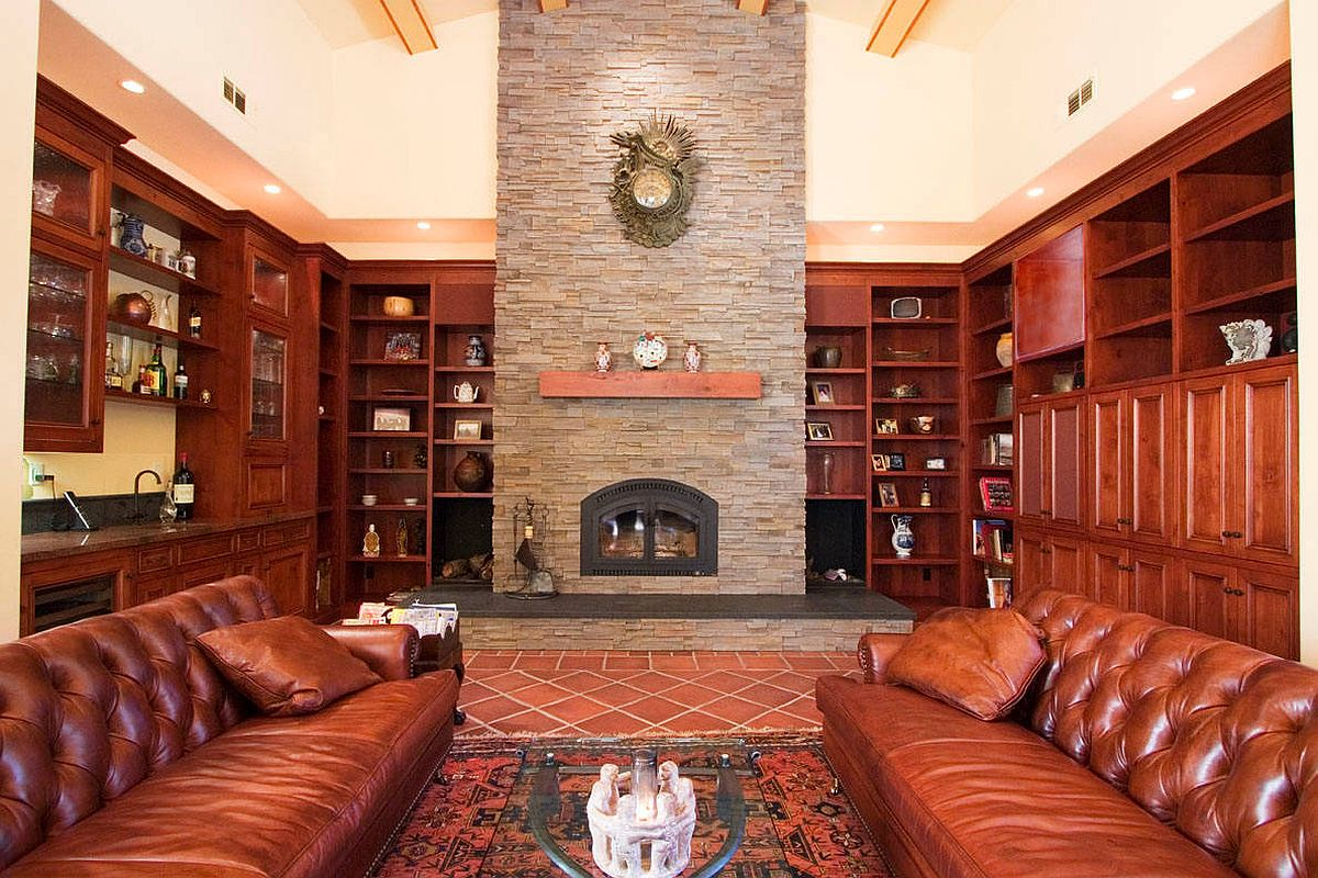 Tradiional-living-room-wih-comfy-sofas-fireplace-and-terracotta-tiled-section-57883